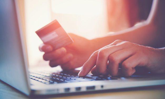 Por que o número de compras online vem crescendo tanto no Brasil?